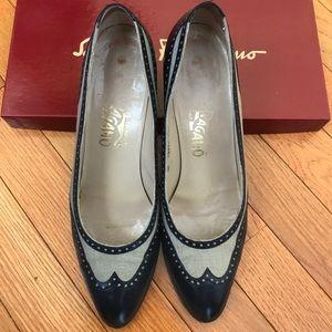 Authentic Ferragamo shoes 👠 size 8 AA